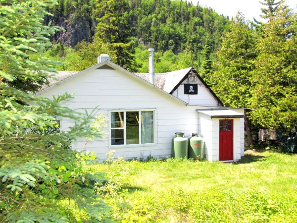 762 Highway 11 Orient Bay  ON